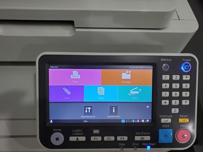 Екран [Home 1]: область головного меню (відображає головне меню), область підміню (відображає підменю) Рядок стану (відображає ім'я користувача і стан машини)